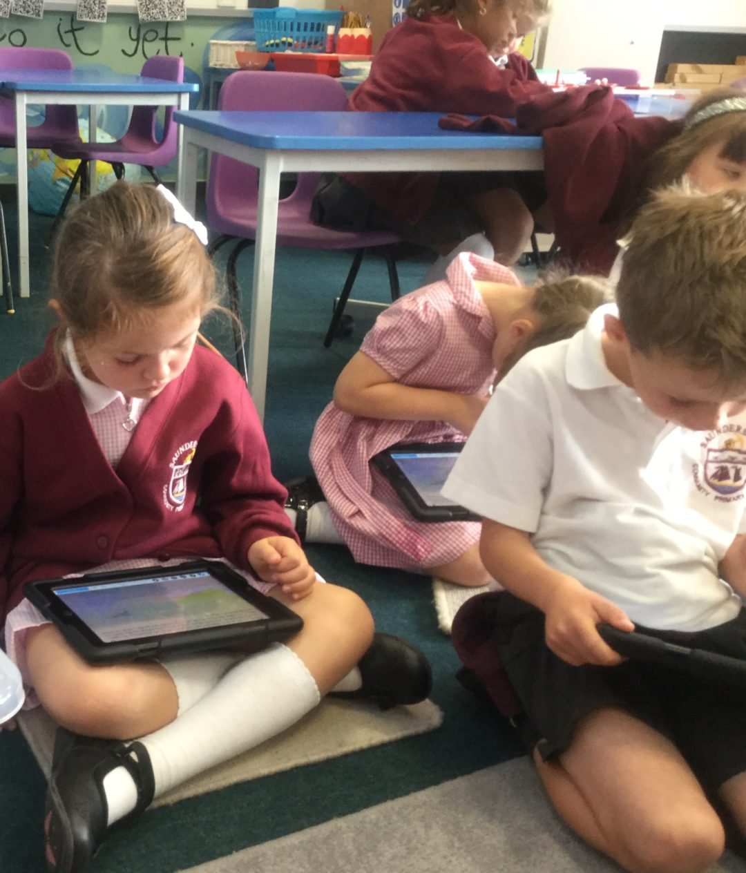 Using the app NEARPOD to develop our comprehension skills